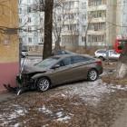 В Пензе Mitsubishi Lancer врезался в дом